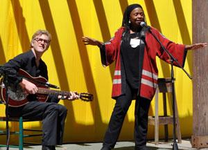 Diane Ferlatte and Erik Pearson performing